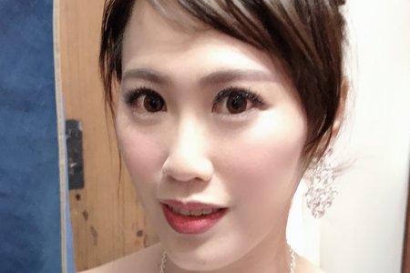 新娘王小姐公証造型