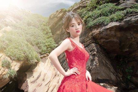奇岩海邊婚紗新娘造型