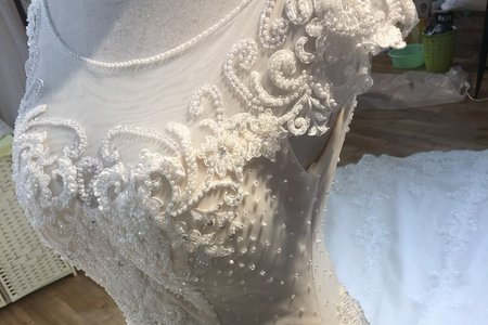 二手婚紗-雙肩齊地系列