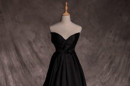 【低調神秘】桃心領黑色禮服