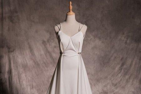 鑲鑽雙肩帶婚紗禮服