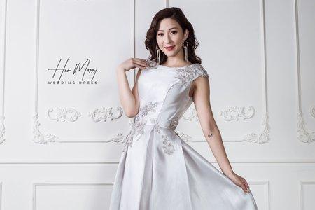 白色無袖短禮服