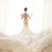 ALINA WHITE愛麗娜手工婚紗!