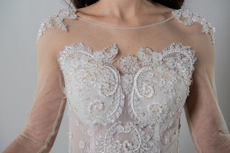 宮廷款蕾絲長袖手工婚紗