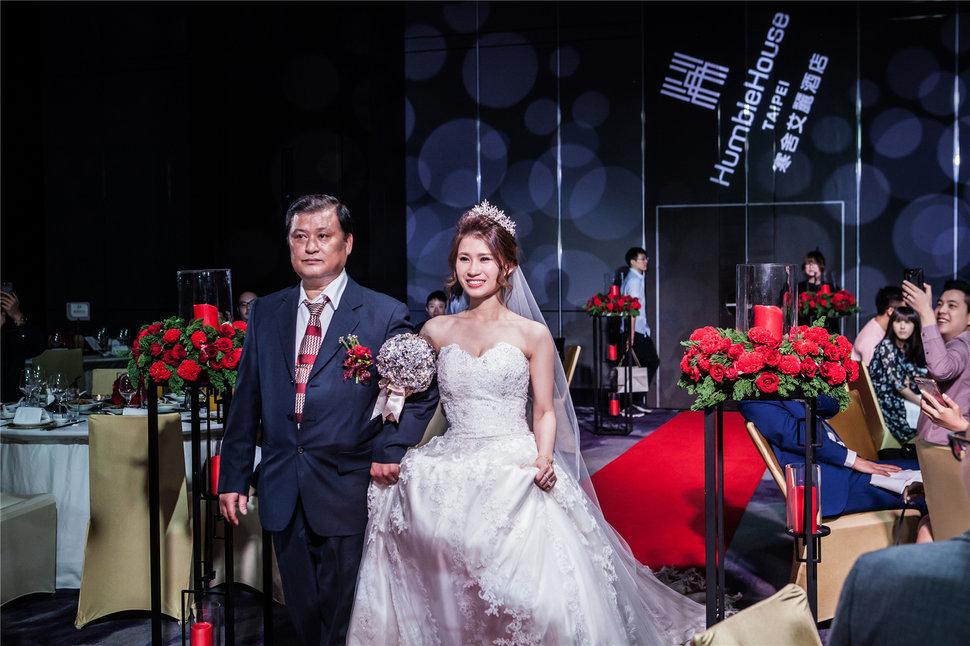 新秘RITA 新娘秘書 bride-janice 公主造型 浪漫 仙仙感 側邊大捲髮 - Rita makeup artist《結婚吧》