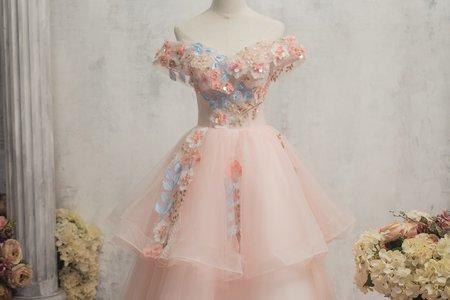 粉色多層次禮服