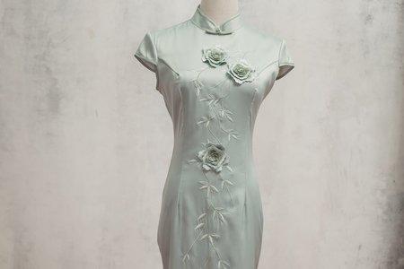復古淺綠色旗袍