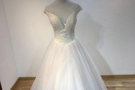 小圓領透膚婚紗