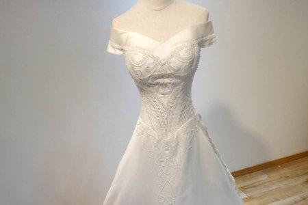 立體珠鑽緞面婚紗