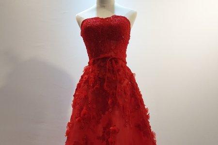 艷紅長拖尾禮服