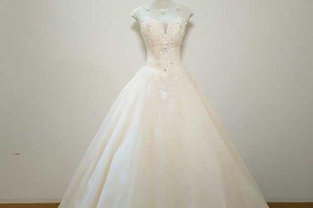 春季新款薄紗領婚紗