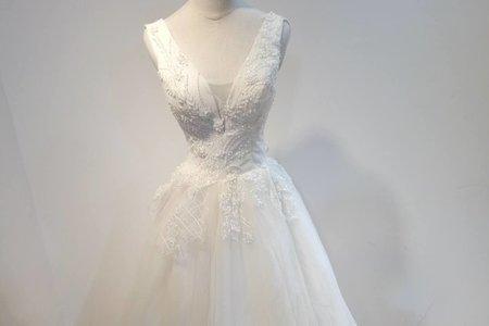 低調奢華深V婚紗