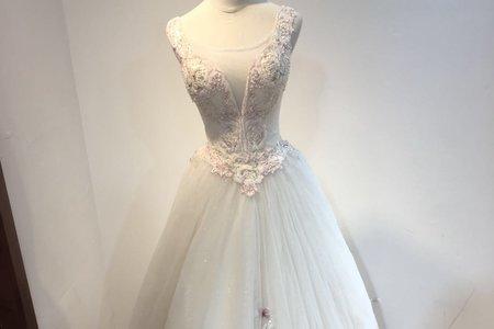 網友激推赫本婚紗