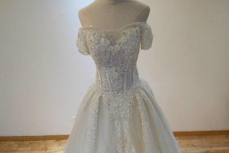 公主款長拖尾婚紗