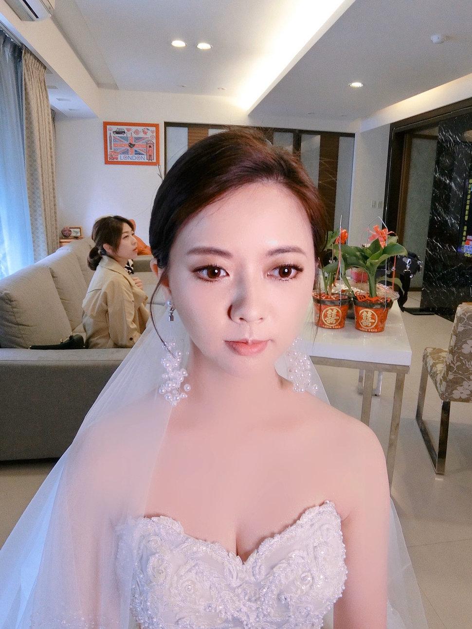 91ACD0DD-E0E6-405F-9F7E-D960CBD5F569 - Ellen wang stylist《結婚吧》