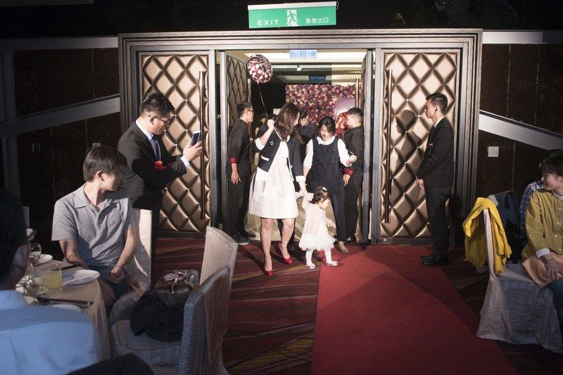 高雄婚禮攝影師與婚攝推薦PTT