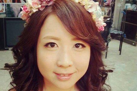 台北新秘流行捲髮造型