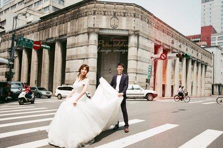【台北底片婚紗】手工長尾白紗+便服婚紗