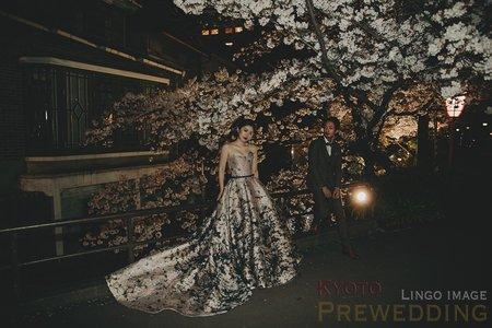 【日本京都】夜櫻+日本傳統建築。日本籍造型團隊_婚紗Ι禮服