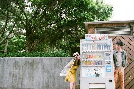 【台北底片婚紗】美式婚紗_手工長尾白紗+便服婚紗