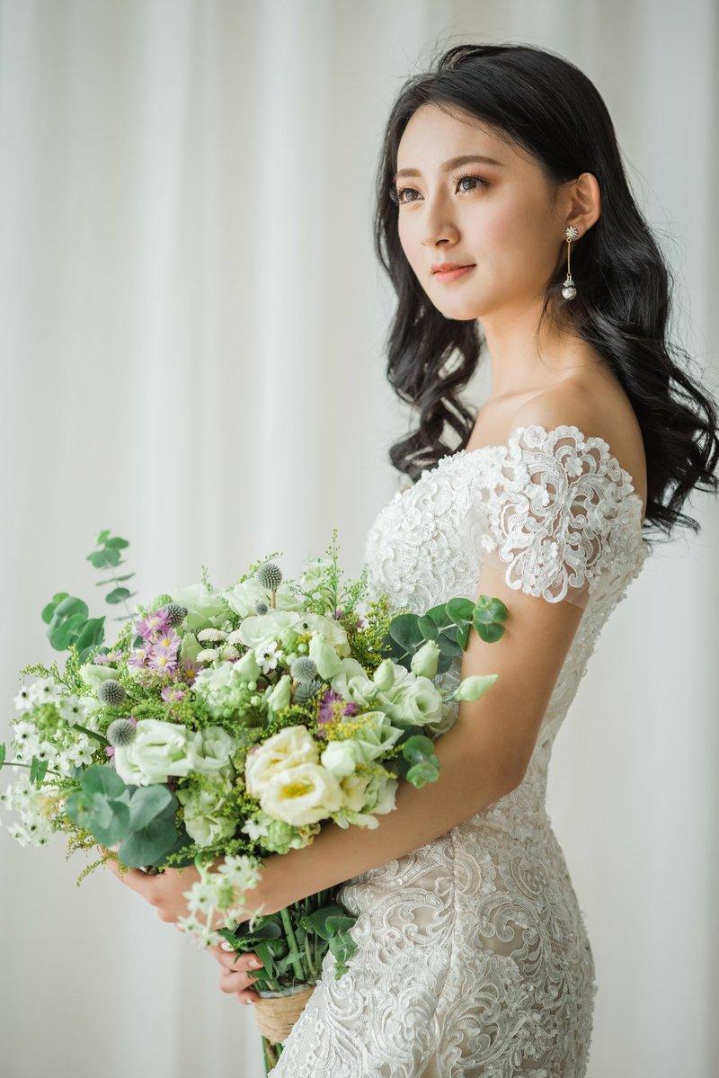 訂婚/結婚儀式 + 午/晚宴新娘造型作品
