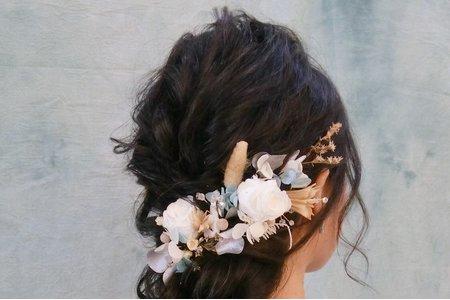 仙氣後收長髮搭配柔美不凋花