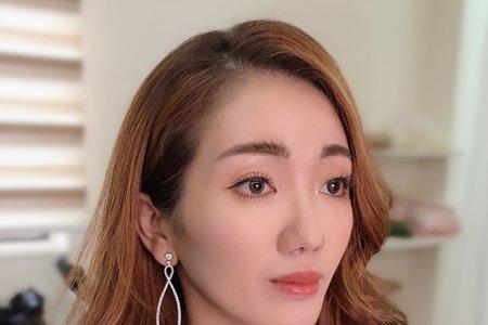 輕歐美妝容(野生眉)