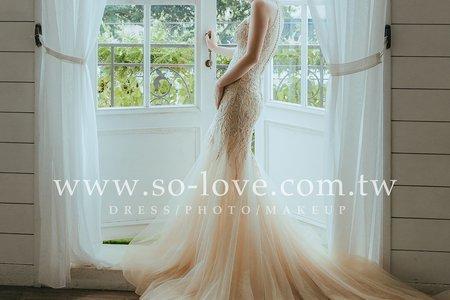 [禮服精選] 金色手工蕾絲-展現完美比例