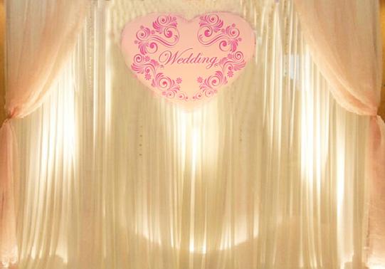 美式布幔 + Wedding logo板