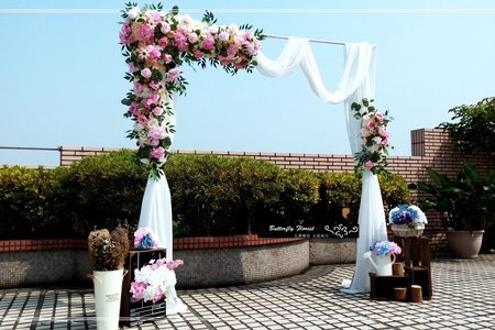 美式仿真花幔紗拱門佈置