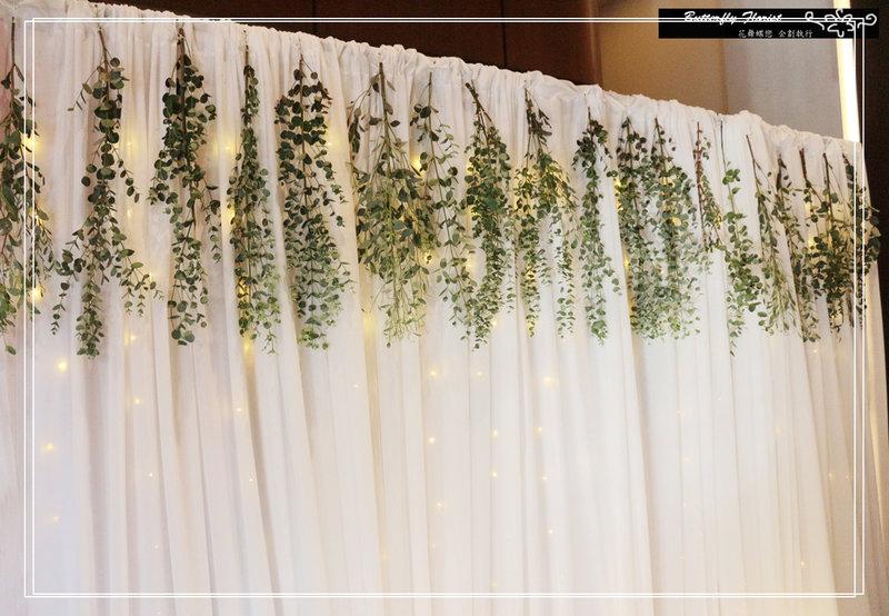 森系仿真綠植燈幔背板作品