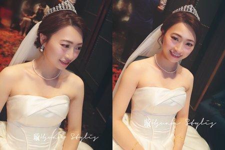 婚宴造型紀錄 - 白紗進場造型 / Emily Tsai 美妝造型團隊