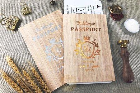 L6510《Wedding Passport 護照型婚卡》文創木紋風 (登機證另購)
