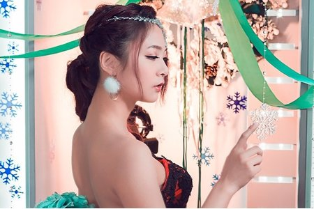 雪地公主低馬尾婚紗造型