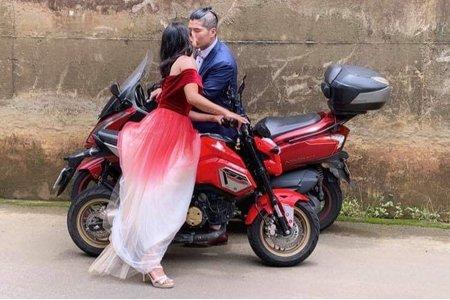 台中新秘白白+二輪重機自助婚紗+結婚造型/新娘秘書/新秘推薦/