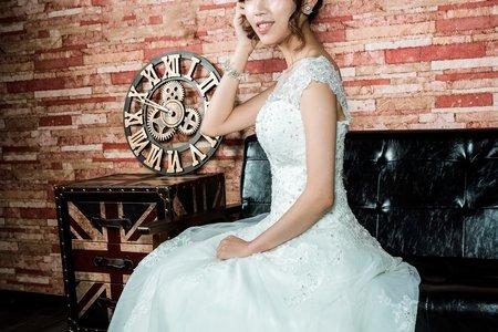 高盤髮造型婚紗作品
