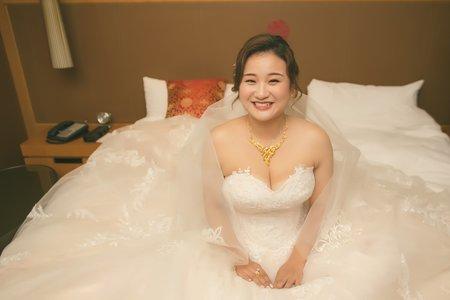 LiLi迎娶結婚