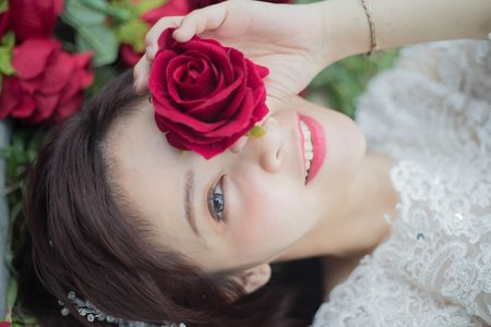 短髮新娘婚紗拍攝