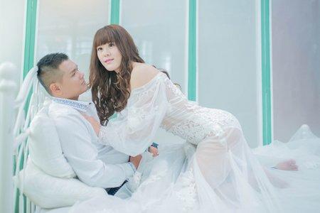 浪漫裸白紗