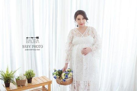 孕婦寫真作品-蕾絲滾邊紗質裙