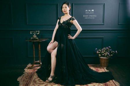 孕婦寫真作品-黑色雕花連身裙