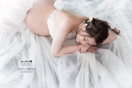 孕婦寫真作品-兩件式蕾絲白紗
