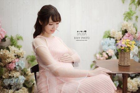 孕婦寫真作品-粉色連身針織開衩