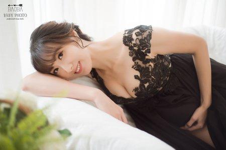 孕婦寫真作品-黑色蕾絲連身裙