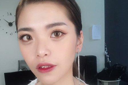 Mandy Tiao Stylist /自助婚紗