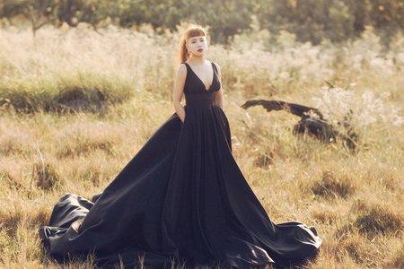 黑色緞面前後深V禮服