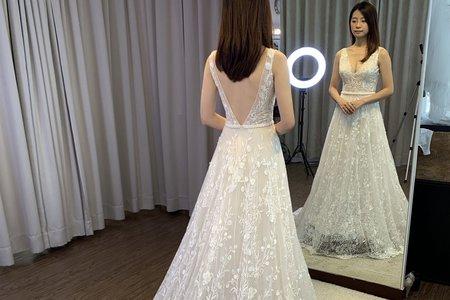 背心式立體蕾絲A-Line類白紗