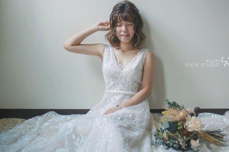 背心式立體蕾絲A-Lin類白紗