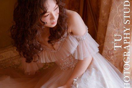 奶茶色浪漫卡肩紗裙