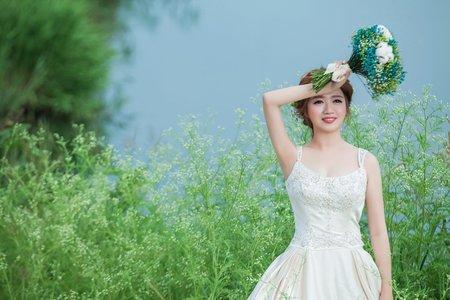 米堤精緻婚紗--青青草原
